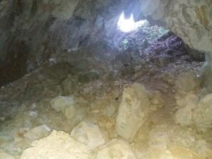 """""""Grotta di campo di mezzo"""""""